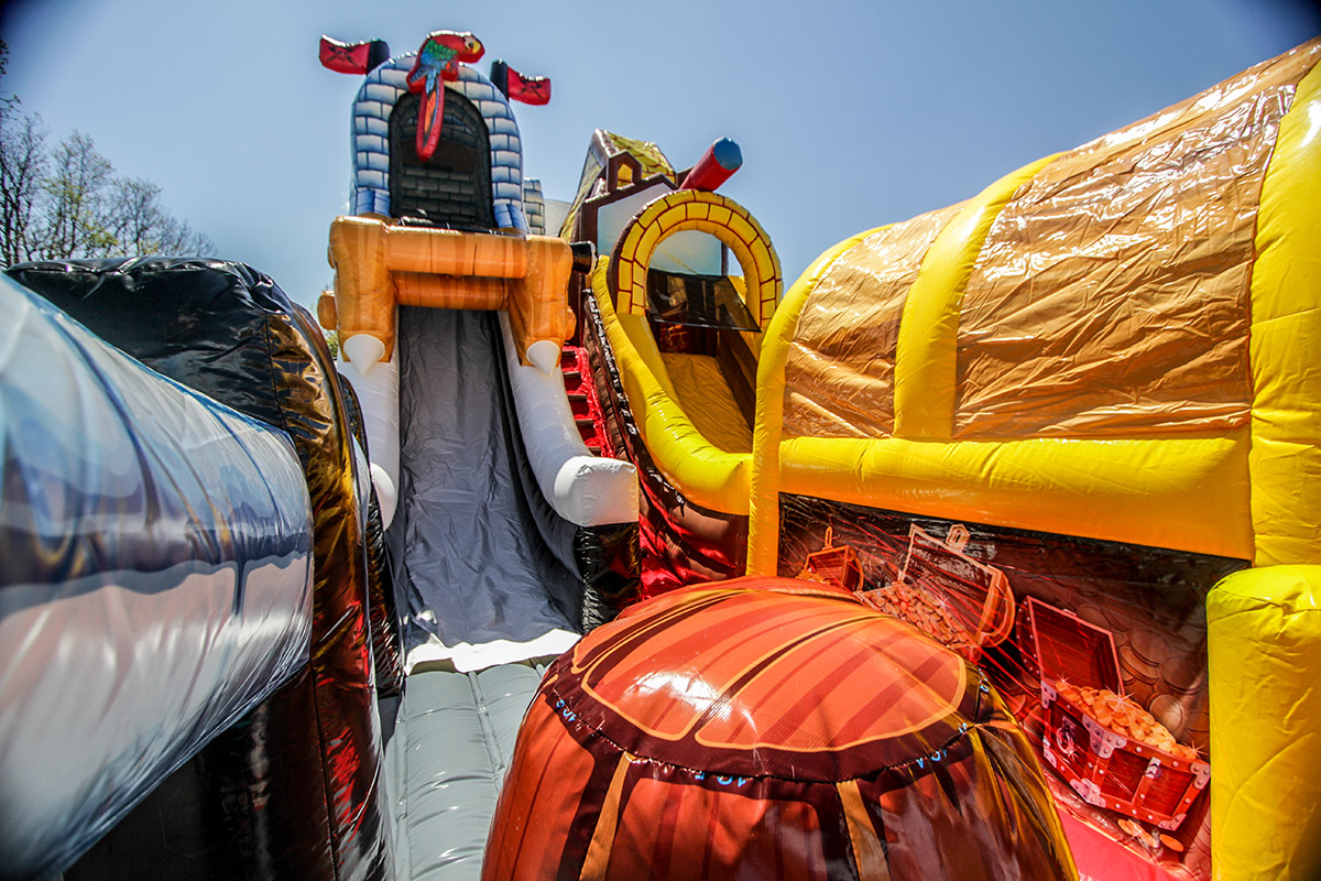 Pirate 4 - Kingdom of Pirates Slide - Air Bounce Inflatables ...
